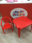 Sedia + Tavolino In Plastica Rosso