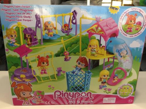 Pinypon Parco Giochi, PLAYSET DI Famosa INCLUDE 2 PERSONAGGI