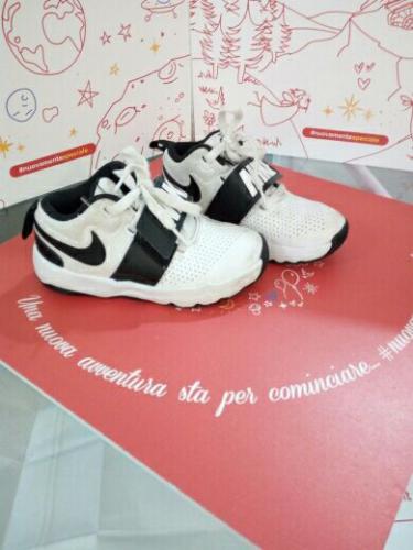 Scarpe Bianche N.28 Nike
