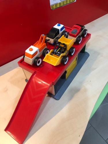 Gioco Garage Con Auto In Legno