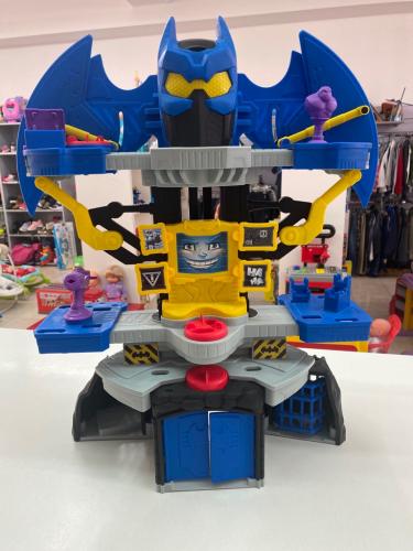 Castello Bat Man