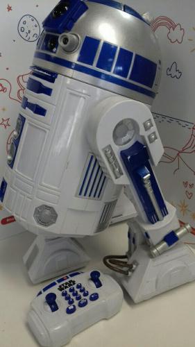 STAR WARS PERSONAGGIO INTERATTIVO PARLANTE R2-D2 TELECOMANDATO